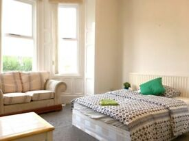 *MINUTES WALK TO GATESHEAD TOWN CENTRE* High Quality Furnished DOUBLE Room £80pw