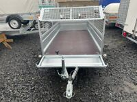 BRAND NEW MODEL 8.7x4.2 TWIN AXLE TRAILER WITH 40CM MESH AND A MANUAL TIPPING FEATURE
