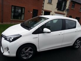 Immaculate 2015 Toyota Yaris HYBRID ICON CVT!! Only 21000 miles