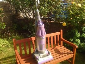 DYSON DCO7,GOOD STRONG SUCTION,UPRIGHT VACUUM,HOOVER,ANIMAL,HYPER ALLERGY