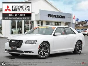 2016 Chrysler 300 S! HEATED LEATHER! SUNROOF! NAV!