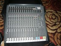 12 CHANNEL SOUNDCRAFT MIXING DESK WITH 8 CHANNEL STAGE BOX AND MULTICORE