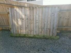 Section of fencing roughly 1.5m 4ft 6 high free