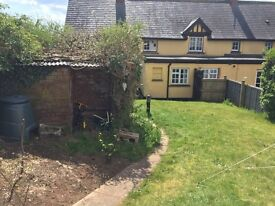 Semi rural cottage share by Exeter Airport. Suit single female