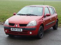 RENAULT CLIO 1.2 16V PETROL IN RED WITH VERY LOW MILEAGE 58K, A/C, 5 DOOR, NOT CORSA, 206, C3,FIESTA