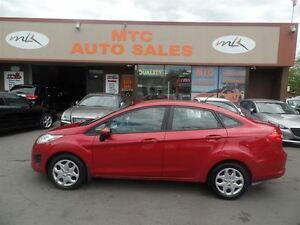 2011 Ford Fiesta SE, GREAT ON GAS!