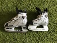 CCM 2.0 Ice Skates Size 2