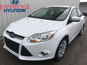 2012 Ford Focus SE SE EDITION WITH NICE FUEL ECONOMY  STYLE AND