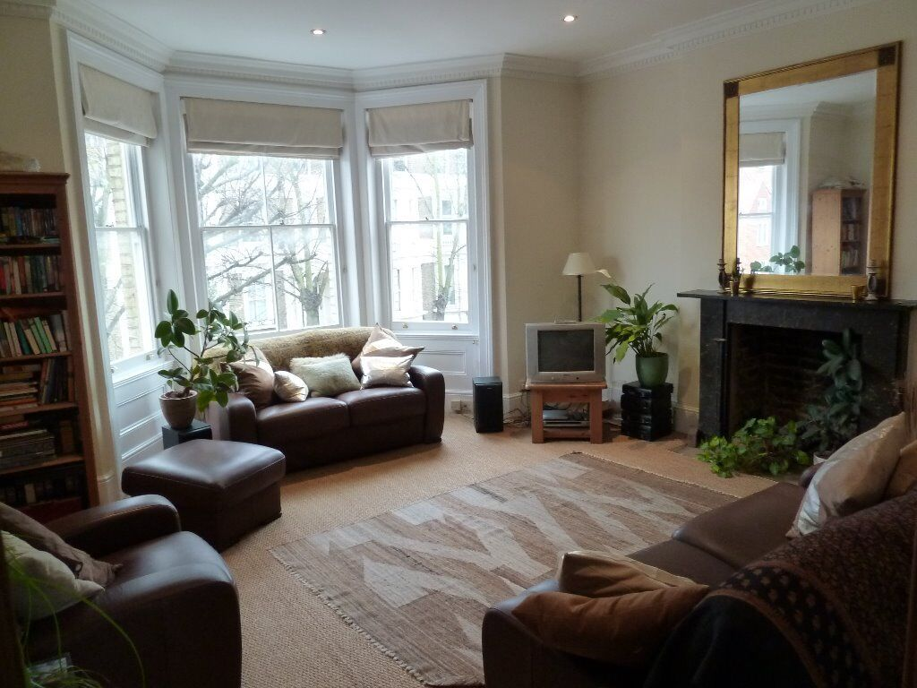 Spacious Period 2 Bed Flat Perfect For Sharers Available Now Close To Clapham Junction