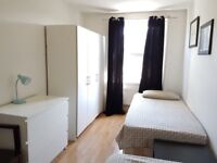 Amazing Twin Room Just 2 minutes from Stepney Green St