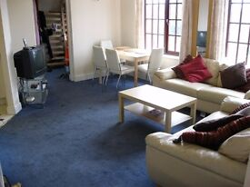 In Owners Flat Single Room Share SittingRoom Kitchen BathShower IncludesBills VeryNearBus