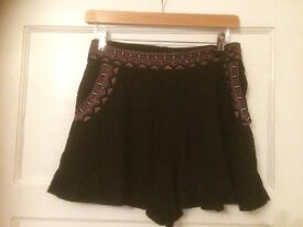 Holister Black Ladies Shorts Size M