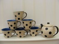 Whittard of Chelsea 6 cup polka dot black teapot retro shabby chic + 6 Cups