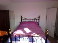 Double room in quiet neighbourhood in Whitton