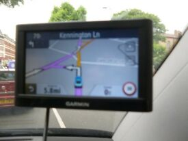 Sat nav garmin 52 lm working with charger only £49