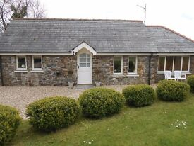 Pretty ONE bedroom fully furnished stone cottage Nr Kilgetty, Pembrokeshire