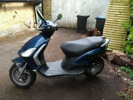 Piaggio Fly 50 moped