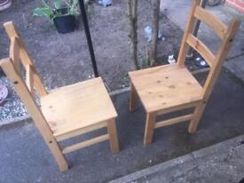 2 Corona Chairs