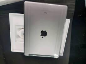 Apple iPad WI-FI + Cellular 32GB 2018 6th generation
