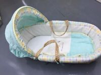 Mothercare Moses basket + rocking stand
