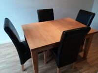 Solid oak expanding table (4/6/8) and four chairs