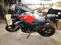 125 learner legal motorbike only 120 miles almost new