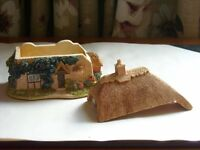 Lilliput Lane Cottage shaped Trinket Box
