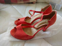 two pairs of women high heel sandals (UK size 5~5 1/2) (brand new)