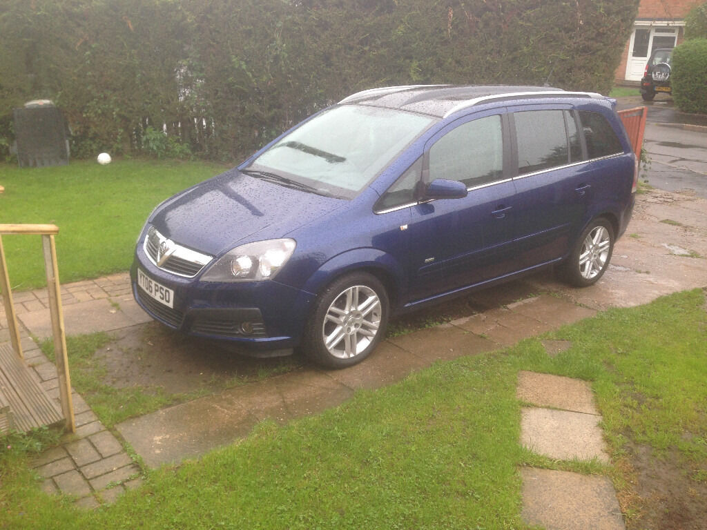 vauxhall zafira sri 1 9 cdti blue 6 speed panoramic roof new tyres in keyworth. Black Bedroom Furniture Sets. Home Design Ideas