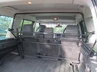 Land Rover Discovery 3 - Dog Guard
