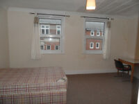 4 bedroom furnished flat located in Elm Grove, Southsea available 1st July to students or working