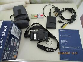 Sony DSC H3 compact digital camera - as new condition