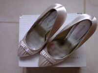 Ivory wedding/ball shoes size 8 BRAND NEW
