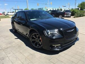 2017 Chrysler 300 S**LEATHER**PANORAMIC SUNROOF**