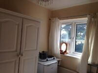 Single room in north Finchley N12 £350/m