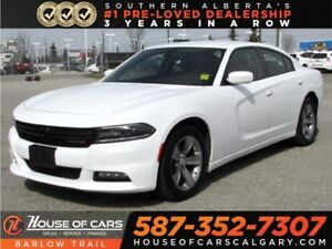 2017 Dodge Charger SXT / Sunroof / Heated seats.