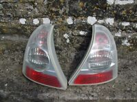 renault clio rear lights full working order.