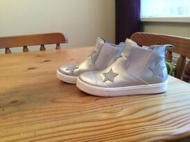 SIZE 13 TRAINER BOOTS