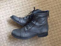Steve Mardden grey boots uk size 4