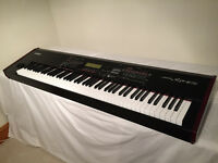 Yamaha S90 ES Piano/Synth/keyboard **Amazing**