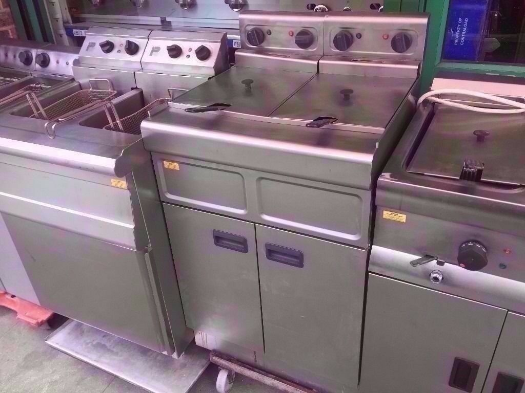 DOUBLE TANK COMMERCIAL FASTFOOD FRYER CHIPS MACHINE CATERING TAKEAWAY RESTAURANT KITCHEN CAFE SHOP