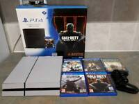 Ps4 1tb boxed 5 games 1 controller excellent condition