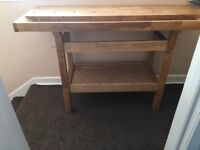 Work bench hardly used excellent condition. Buyer uplifts