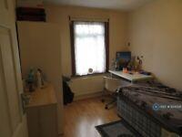 1 bedroom in Castle Villas, London, NW2 (#634026)