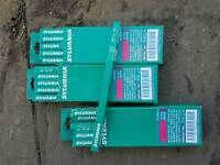30 x Sylvania 300mm light tubes