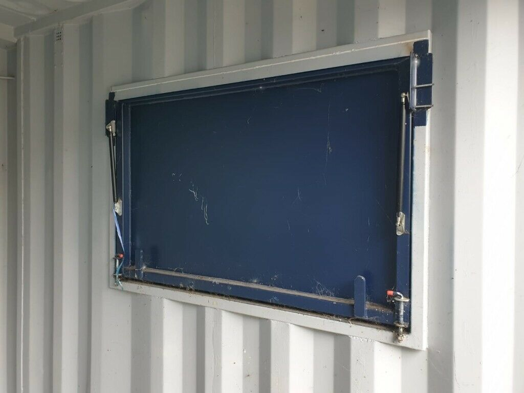 URGENT SALE!!! 10ft used Shipping container with serving hatch | in  Croydon, London | Gumtree
