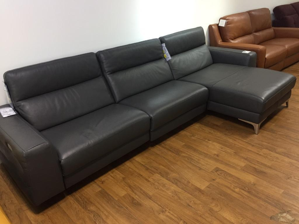 Brand new natuzzi Livorno power recliner