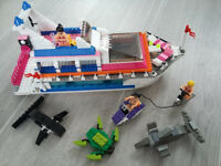 Luxurt Yacht 'LEGO compatible' Wilko Blox