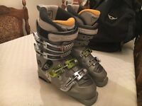 Ski Boots. Evolution 8.0 Flex. Ladies size 5