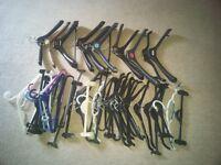 50 plastic clothes hangers